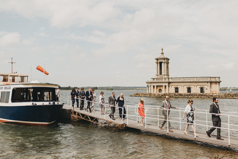rutland water wedding guests leaving Rutland Bell boat