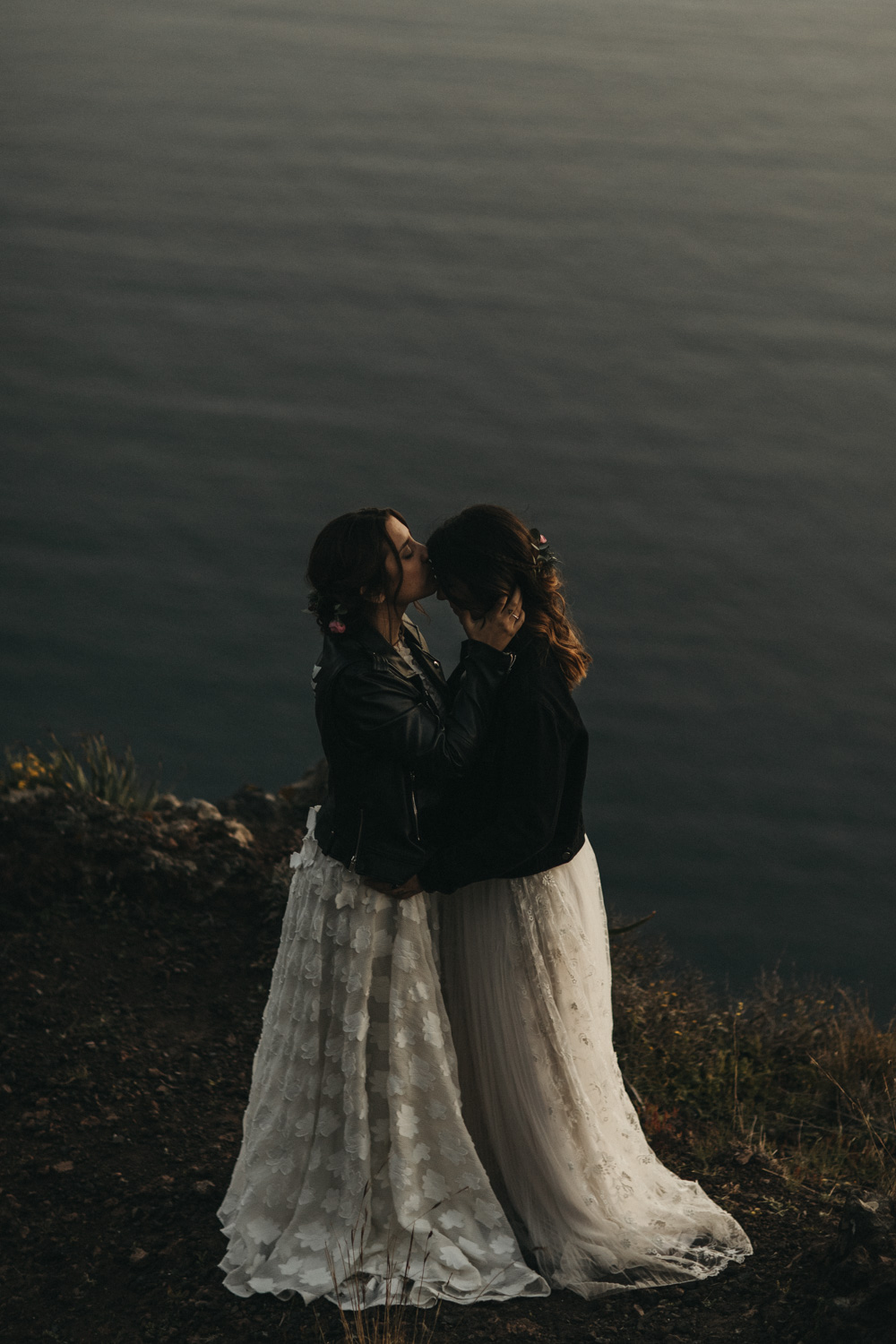 Wedding day photoshoot on Santorini