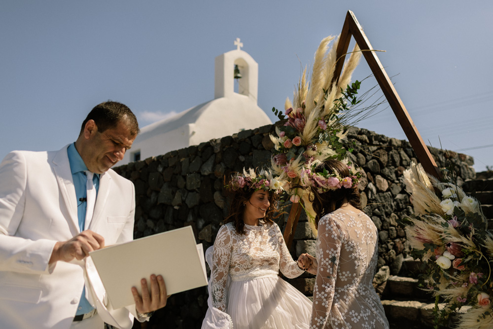 Couple renew their vows abroad