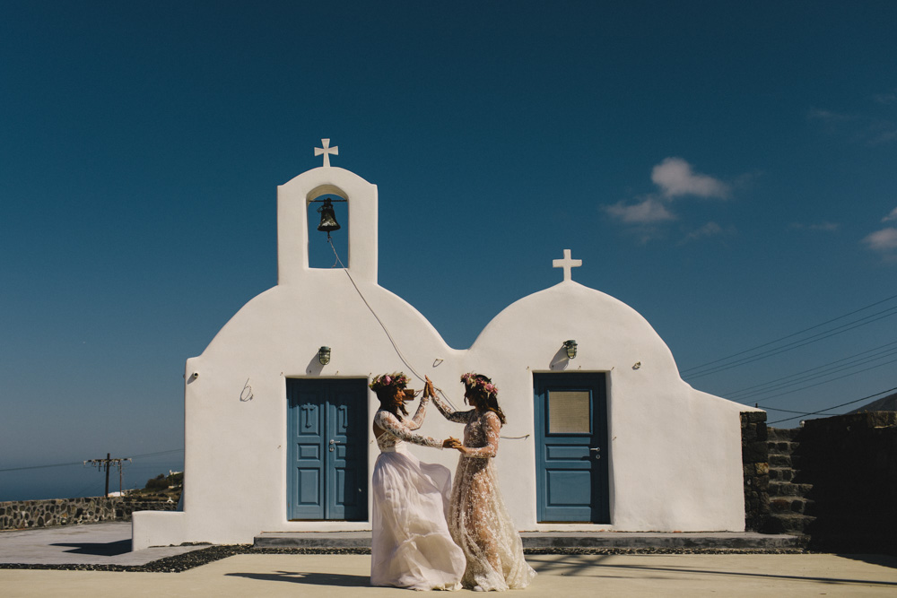 Destination wedding in Santorini Greece