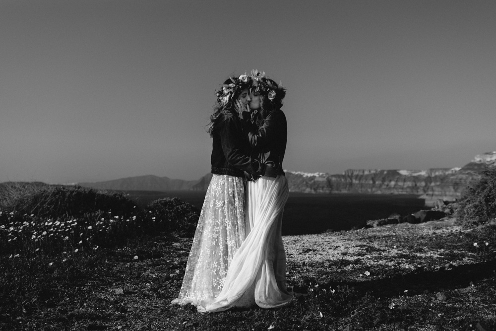 elopement in Santorini with couple